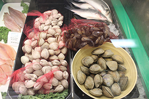 Clams at Seafood USA
